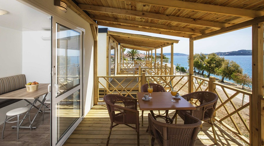 70012_Belvedere_Trogir_Mobile_homes_next-to-the-sea_terrace1