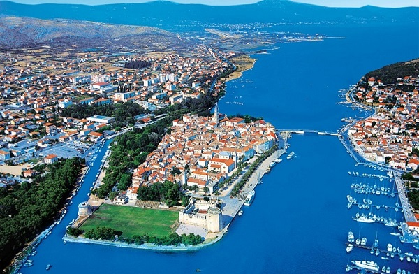 trogir-dalmatia-croatia-town-island-beautful-summer-vacation1