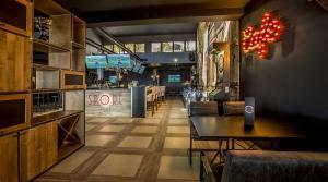 sport bar belvedere