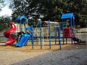 playground-411362_1920